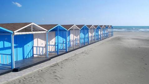 Concessioni spiagge: nessun vantaggio al pubblico, solo vantaggi ai balneari