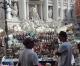 Venditori di souvenirs al Colosseo: il voltafaccia della Regione Lazio