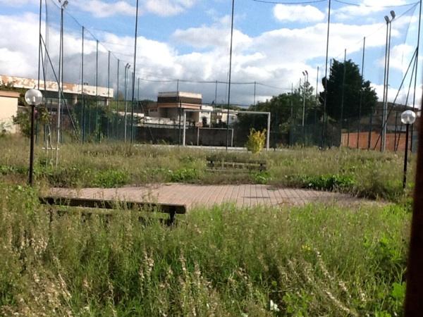 Morena giardino pubblico non aperto