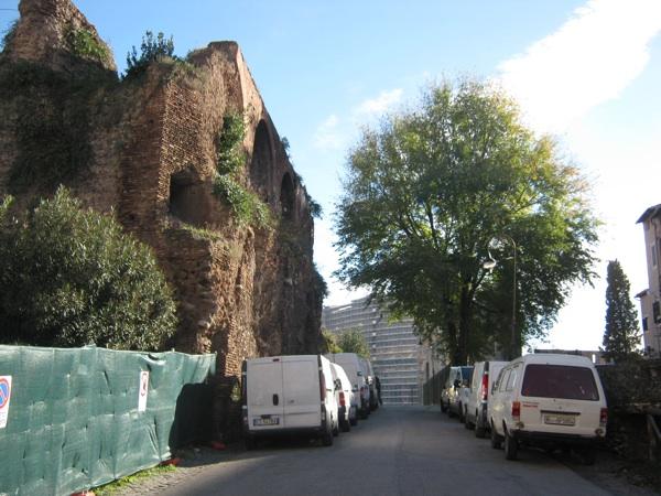 DOSSIER 4 light Colosseo dalla Basilica Massenzio
