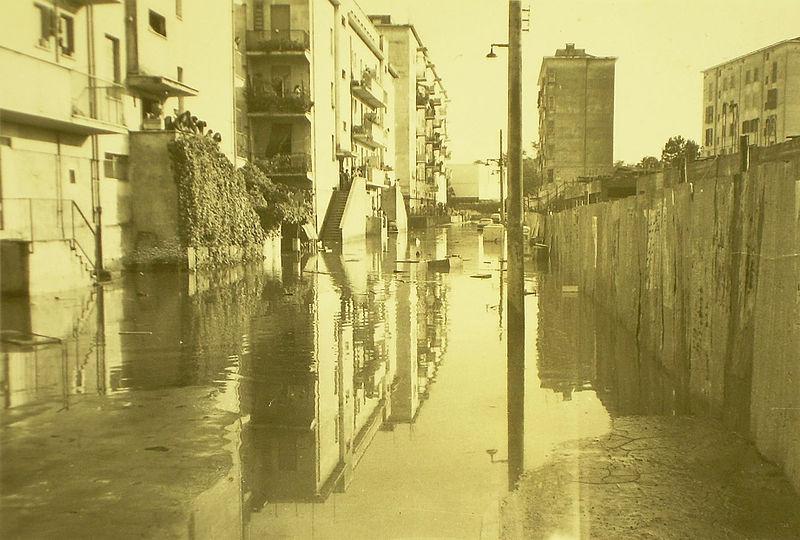 Foto di via silvano incrocio via del peperino e via alabastro allagato anni '60