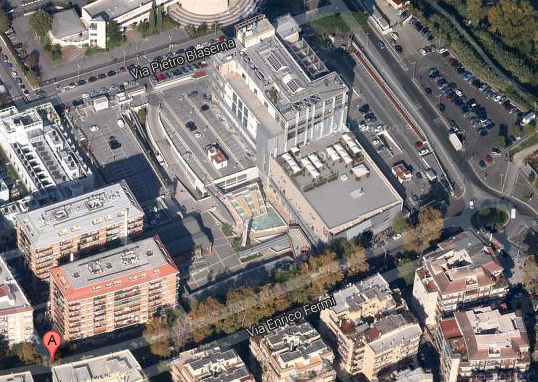 Il complesso della Città del gusto al Portuense (XI Municipio) che con il Piano casa sarà abbattuto per realizzare miniappartamenti