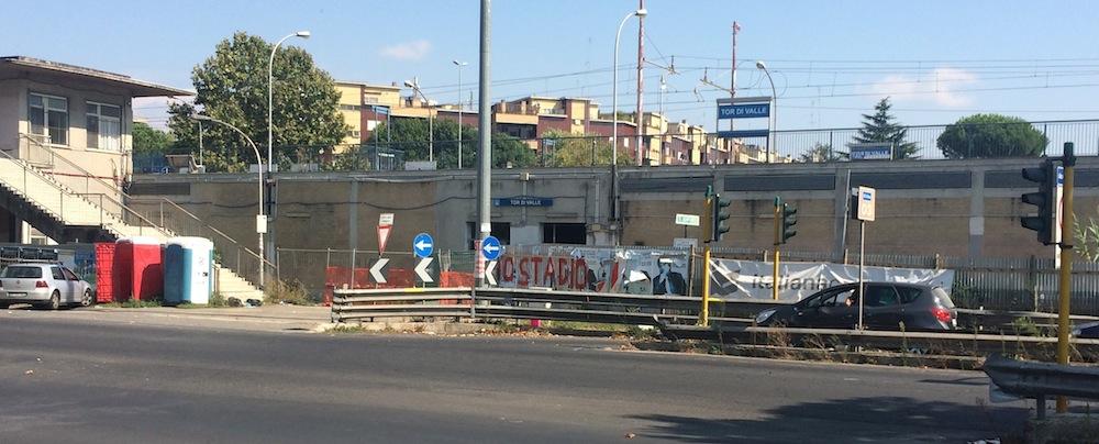 11 la stazione della Ferrovia Roma Ostia