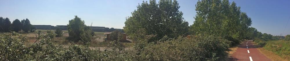 14 L'ippodromo  Tor di Valle visto dalla  pista ciclabile