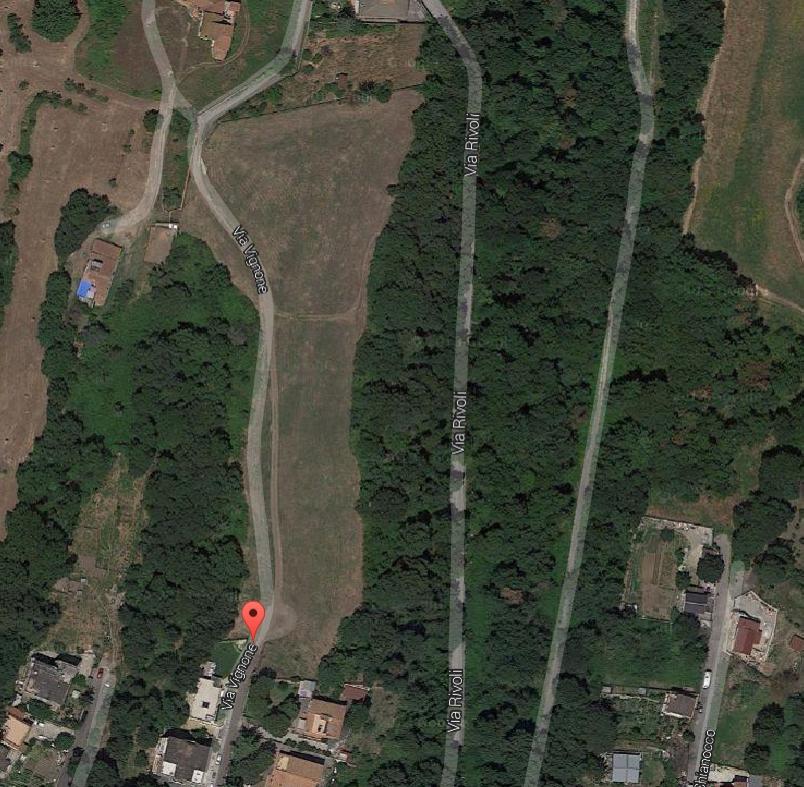 L'area dove è prevista la realizzazione del Piano di Zona Cerquette bis, a meno di 100 metri da un fosso