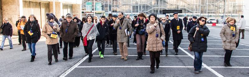 """Un momento della camminata """"Piediperterra all'Eur, organizzata da Carteinregola il 7 marzo 2015 per """"Spiazziamoli!"""" 50 piazze per la democrazia contro le mafie"""
