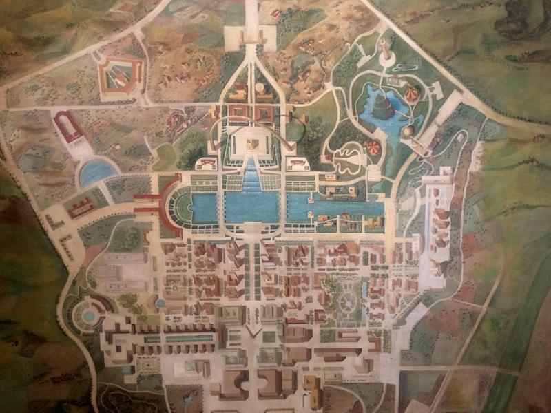 """Una mappa esposta alla mostra all'Ara Pacis """"Esposizione Universale Roma. Una città nuova dal fascismo agli anni '60"""""""