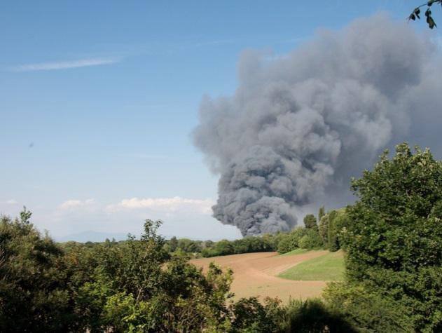 L'incendio del 2009 visto dalla Caffarella tratto da Roma Today