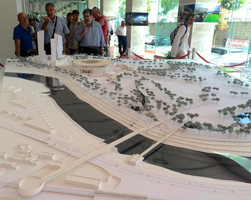Il modellino dello Stadio e del Business center esposto alla casa della Città - luglio 2015