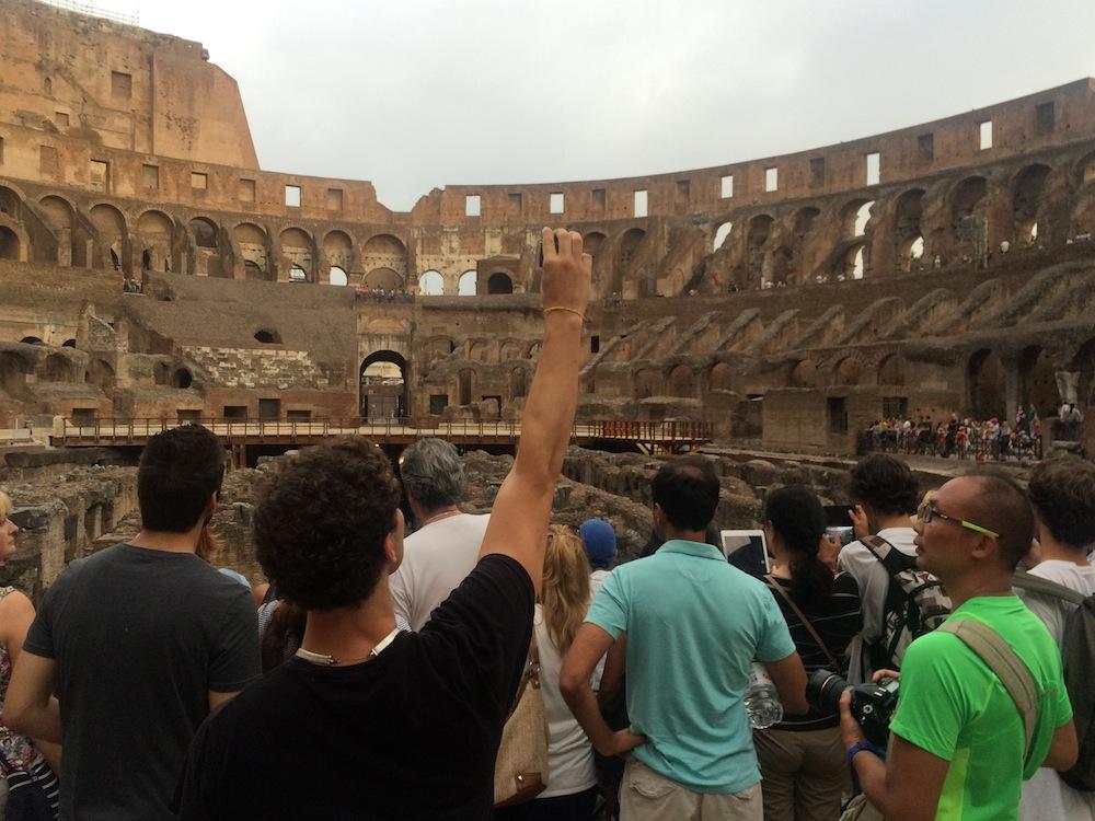 Turisti al Colosseo (foto AMBM)