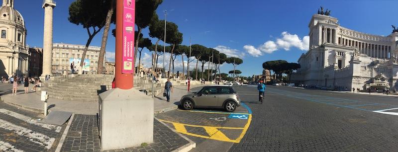 parcheggio davanti colonna traianoIMG_0042