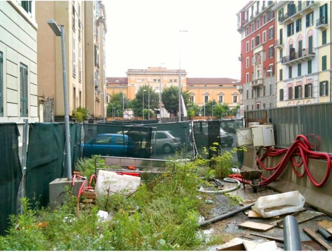 cantiere abbandonato di Via Albalonga, nel 2012