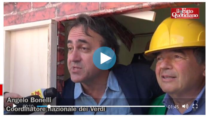 Angelo Bonelli manifestazione ddl falanga, da video Il Fatto Quotidiano di Alberto Sofia