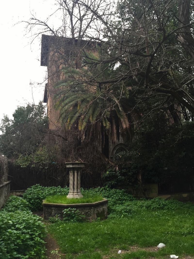 Villino Leopardi, sulla Nomentana, un immobile in stato di abbandono