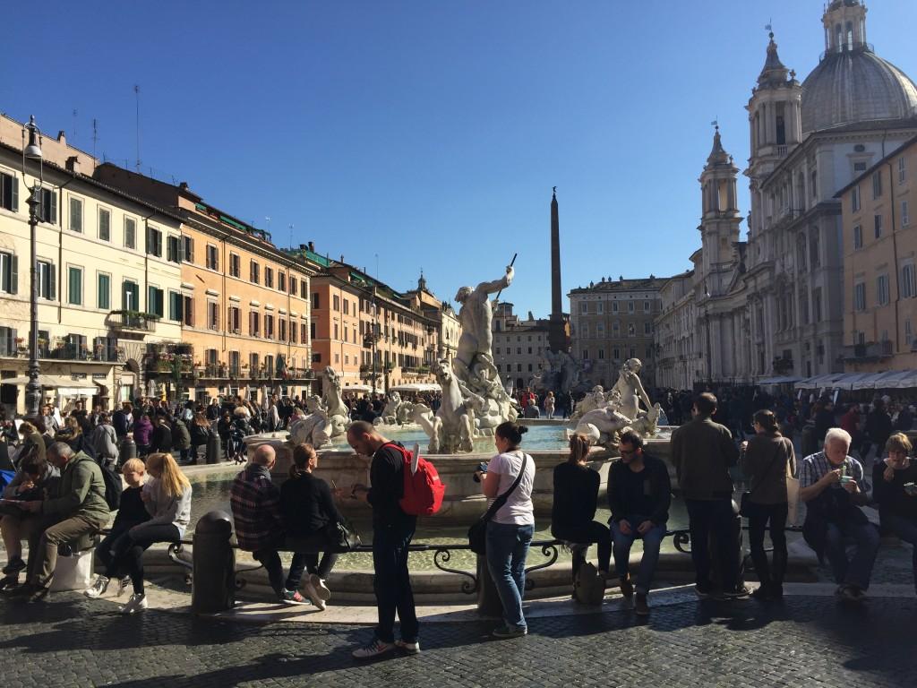turisti piazza navona IMG_5768