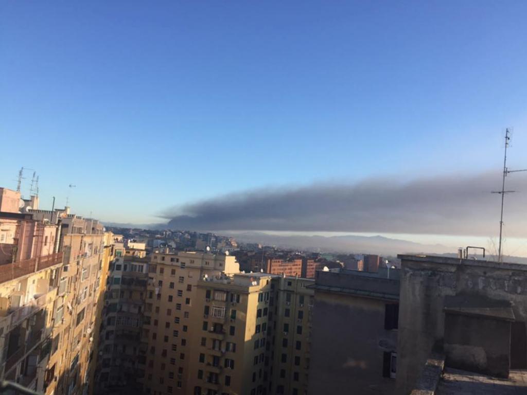 incendio al TMB Salrio visto dal Flaminio (foto AMBM) 11 12 2018