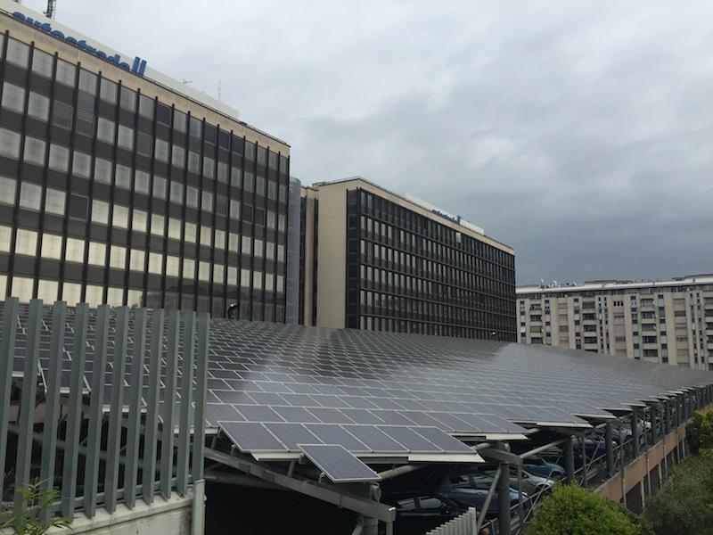 la tettoia di pannelli fotovoltaici  di Autostrade tech spa