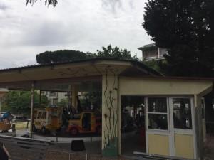 Gochi a pagamento nel parco di Largo Ravizza. Foto Clara Habte.