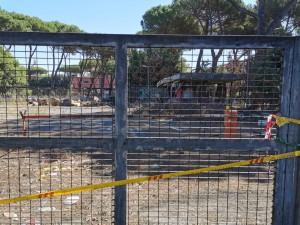 Parco via dei Robilant chiuso e nel degrado. Foto Piero Filotico